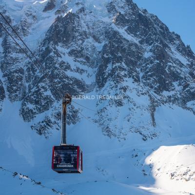 L'Aiguille du Midi et son téléphérique - Nik3922